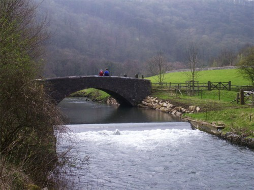 Bridge over the River Wye near Great Shacklow Wood