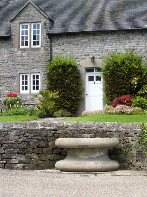Hand's Well and Stone Trough, Tissington