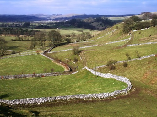 The footpath from Narrowdale follows the wall towards Beresford Dale