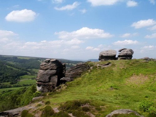 Looking towards Froggatt Pinnacle on Froggatt Edge