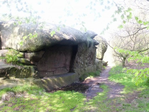 Seat with Canopy at Rowtor Rocks
