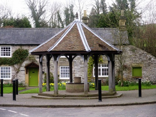 The Bottom Pump Shelter, Ashford in the Water