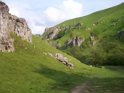 Peaseland Rocks in Wolfscote Dale