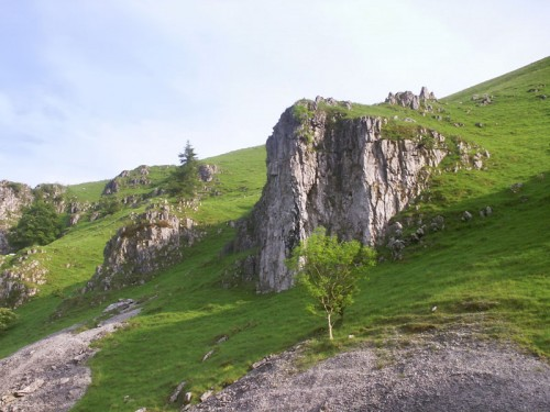 Zooming in on Peaseland Rocks in Wolfscote Dale